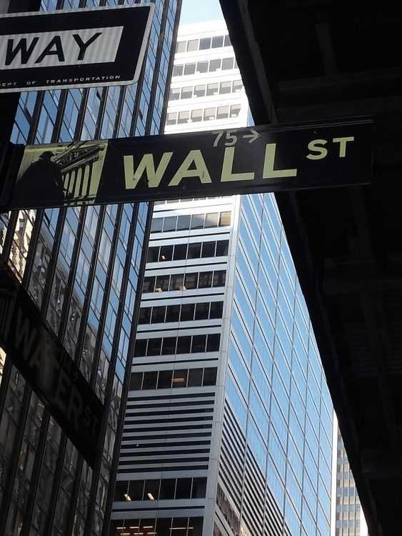 Analizēt kriptovalūtu tirgu
