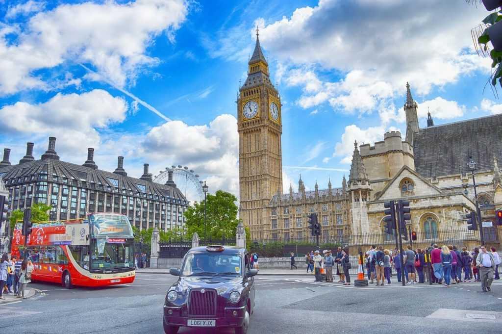 Lielbritānijas FCA piedāvā aizliegt kriptovalūtu pārdošanu mazumtirdzniecības pircējiem