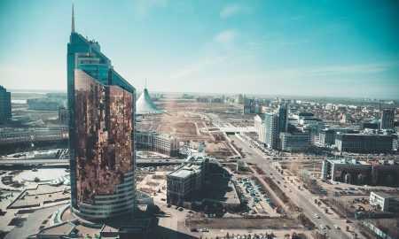 Maineri pievērsušies Kazahstānai