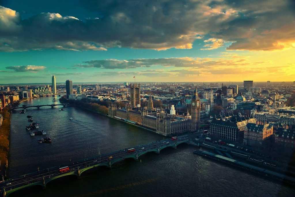 Lielbritānijas nodokļu dienests pieprasījis kripto biržu lietotāju personas datus