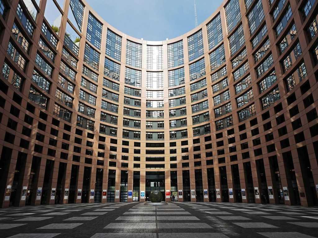ES vadība aizliedz eirozonā izmantot stablecoin