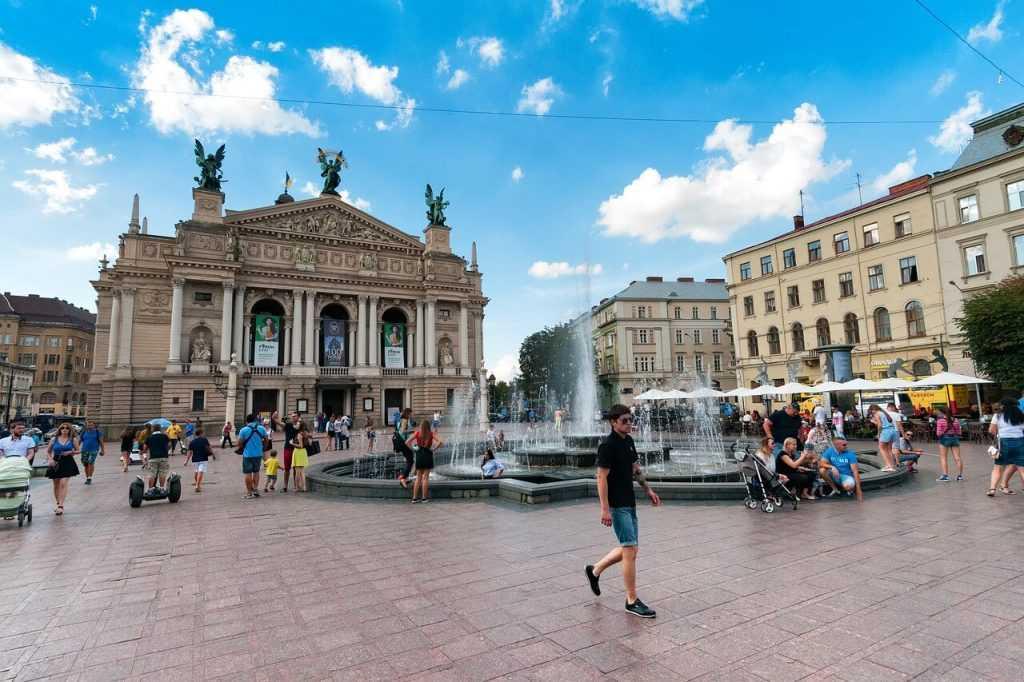 Ukraina pieņem uz FATF politiku balstītus likumus