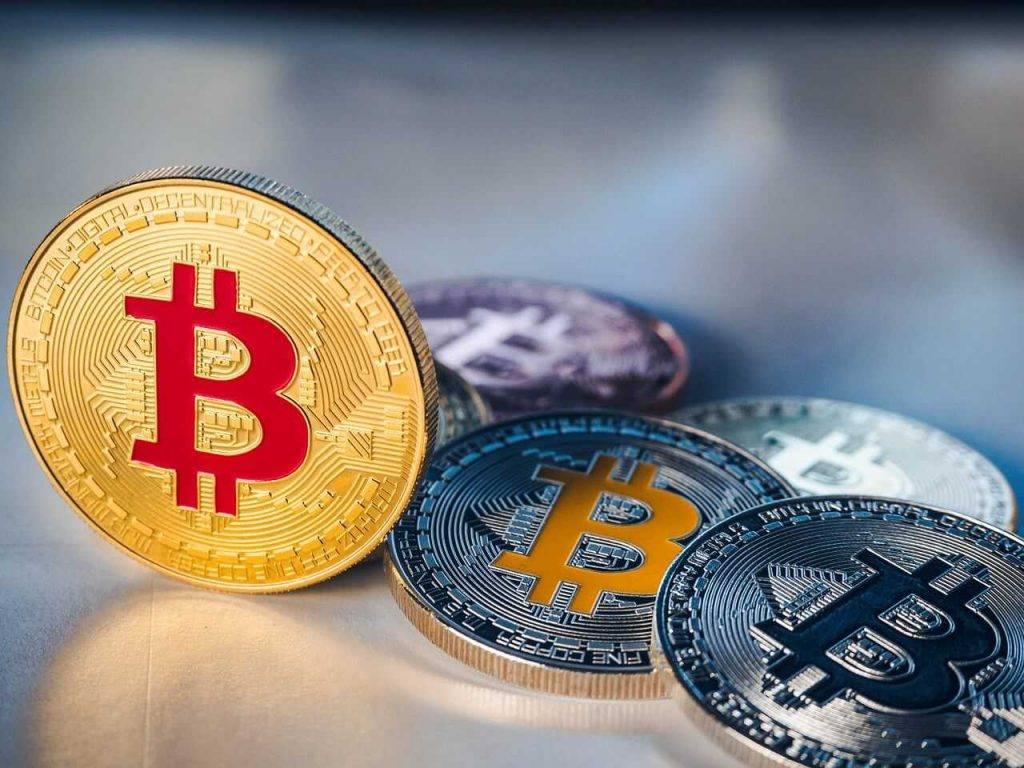 Strauji samazinājies to treideru skaits, kuri liek likmi uz bitkoina cenas pieaugumu