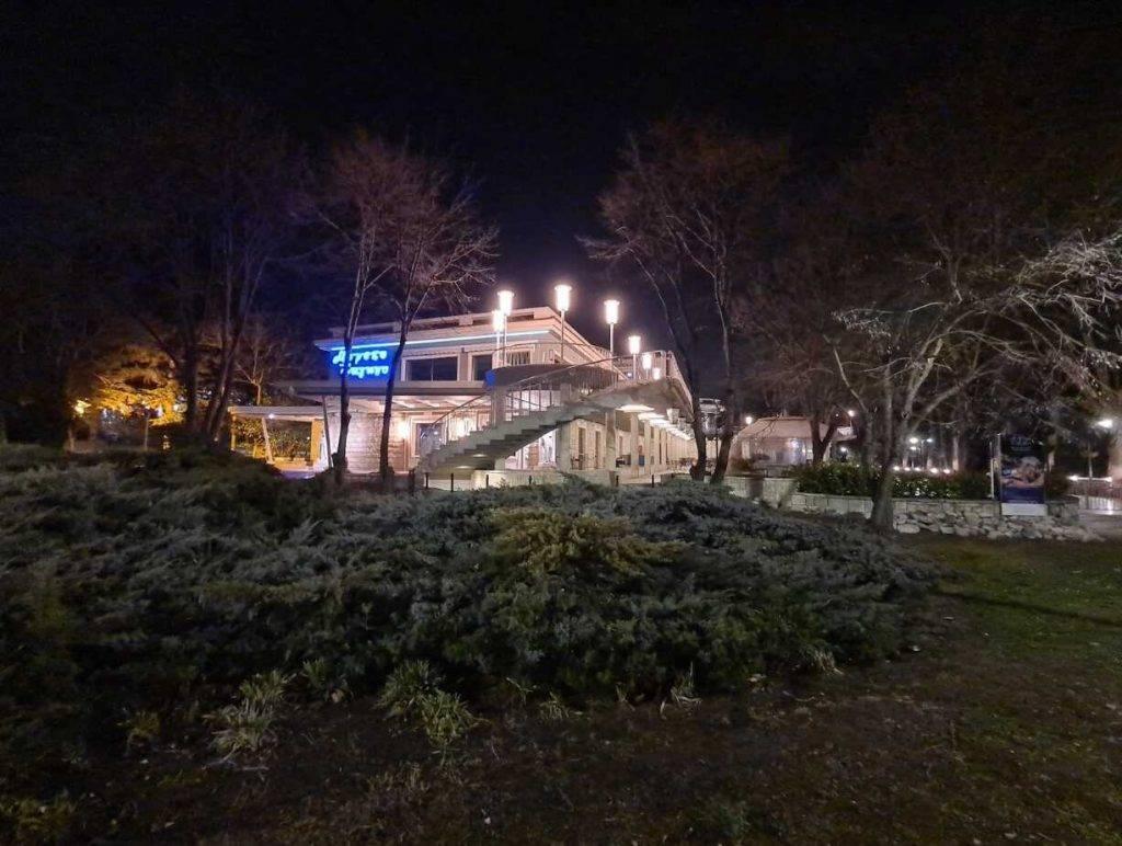 Samsung Galaxy S20 Ultra nakts fotogrāfiju tests