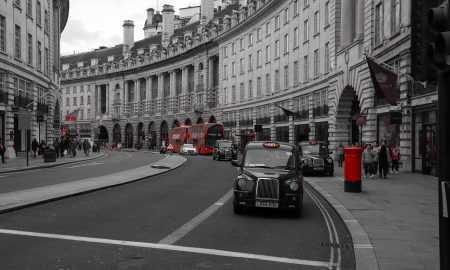 Anglijas bankas vecākais ekonomists: spekulācijas kaitē kriptovalūtu efektivitātei