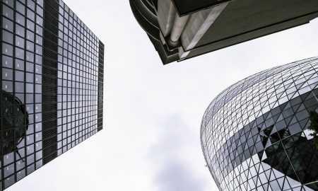 Centrālo banku un privāto kompāniju sacīkstes maksājumu digitalizācijā
