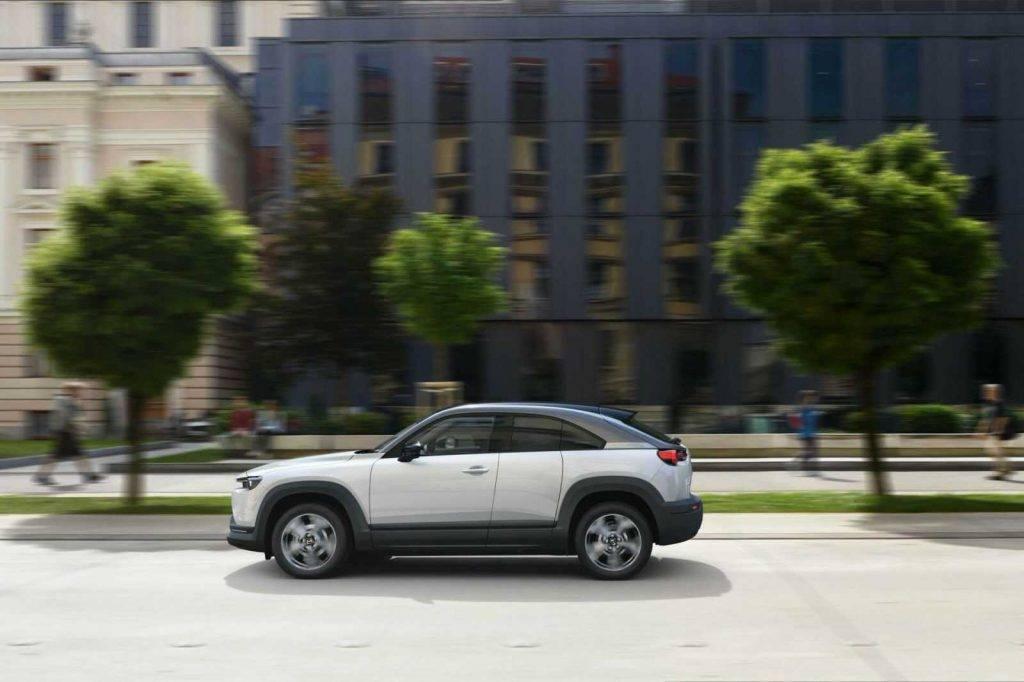 Mazda MX-30 cena ir 34 000 eiro