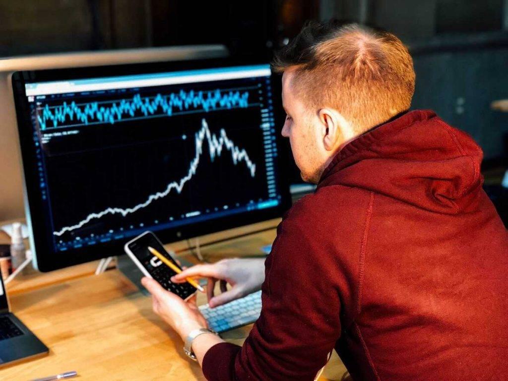 Ķīnas kripto industrijas pārstāvju prognozes par bitkoina cenu pēc halvinga