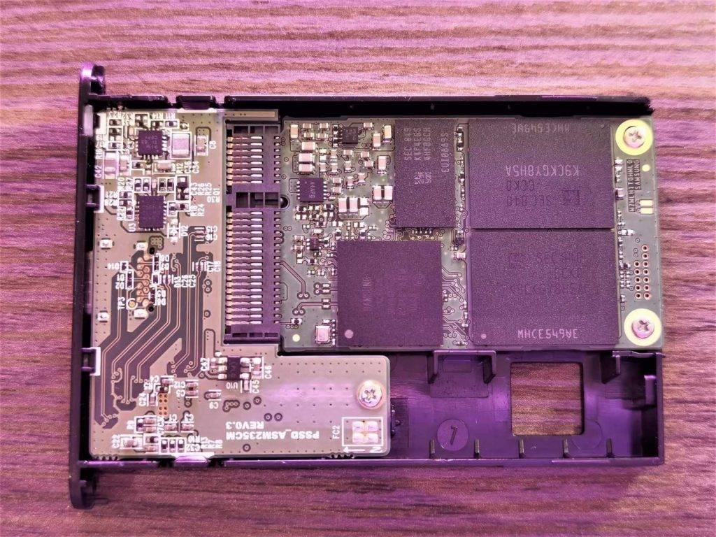 Samsung T5 demontaza