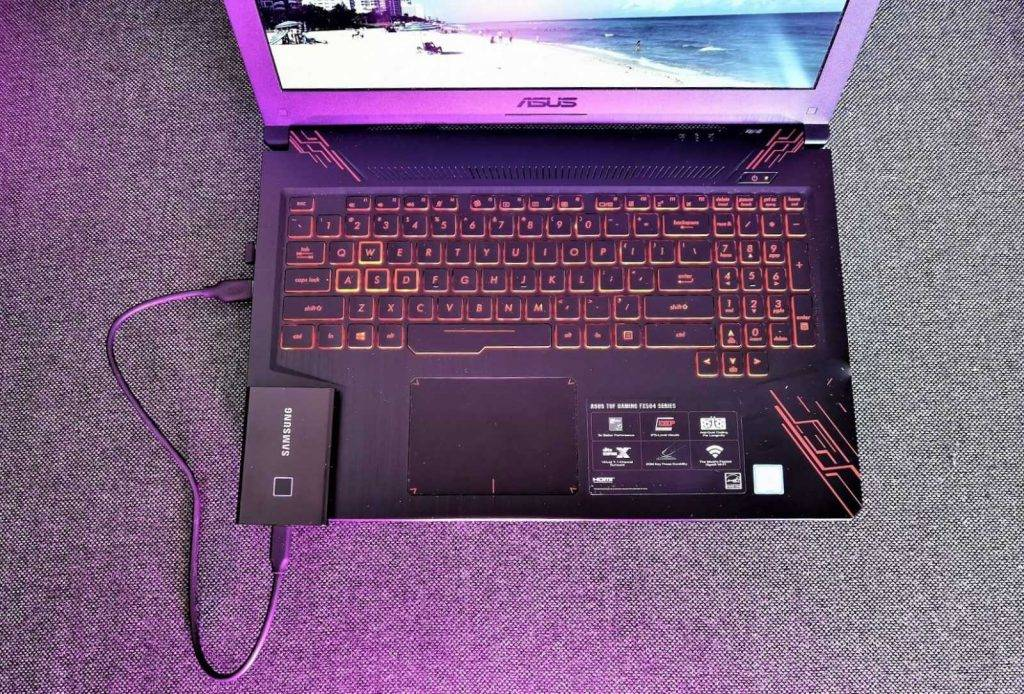 Pārnēsājamā Samsung SSD T7 Touch ārējā diska apskats