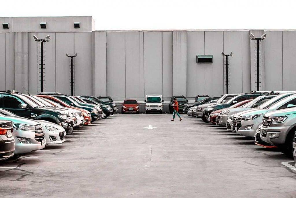 Latvijas-auto-tirgus