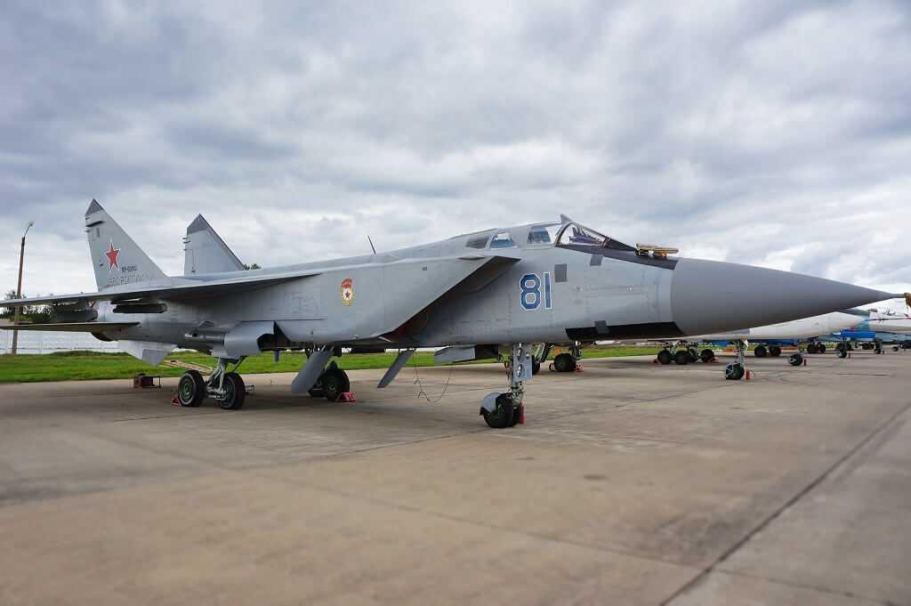 Lidmašīna MiG-31
