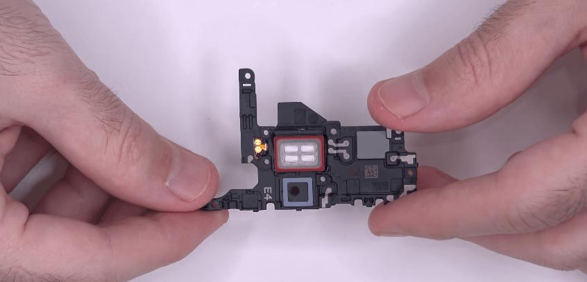 Nomainit bateriju Samsung S20