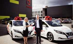 Omniva autoparks pirmo reizi papildināts ar elektroautomobiļiem