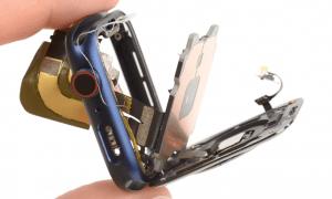 Kā izjaukt Apple Watch Series 6 pulksteni