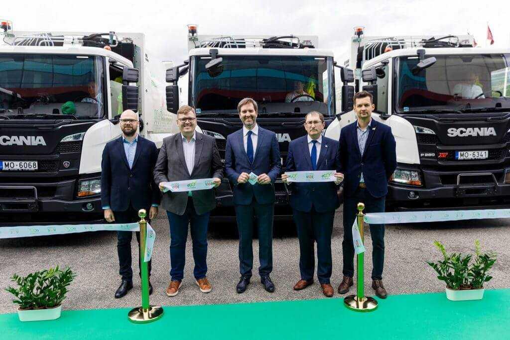 Prezentē Latvijā pirmās piecas atkritumu savākšanas mašīnas, kas darbojas ar saspiesto dabasgāzi