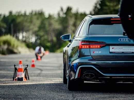 Audi RS izaicina saciksu trasi Lietuva 1