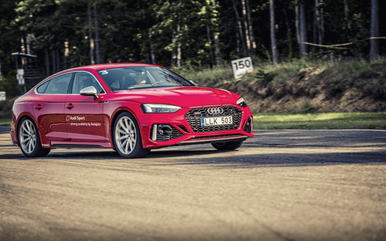 Jaunakie Audi RS izaicina saciksu trasi Lietuva