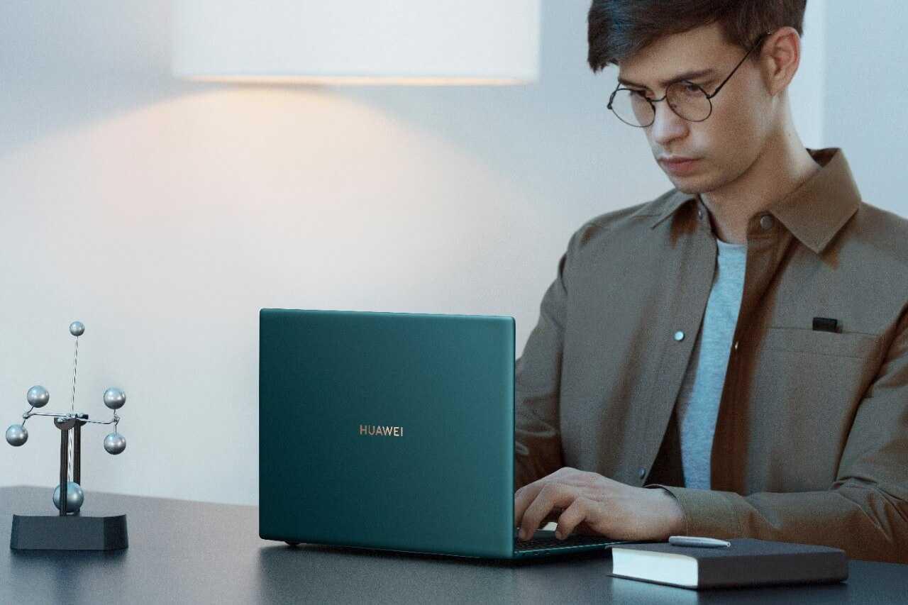 Aptauja: puse Latvijas iedzīvotāju izmanto datorus, kas vecāki par 4 gadiem