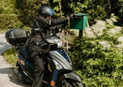 Latvijas pasts motorolleri