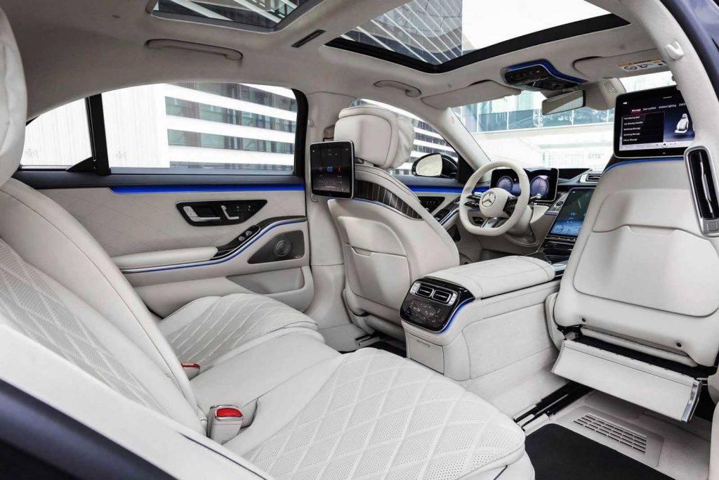 Mercedes-Benz S klase salons 2