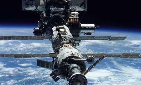 Kosmosa atkritumi gandrīz sabojāja Starptautisko kosmosa staciju