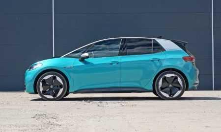 Pirmās Volkswagen ID.3 automašīnas ierodas Latvijā