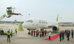 airBaltic sūta sirsnīgus veicienus savā 25.gadadienā (Video)