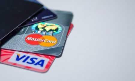 Coinbase piedāvā tūlītēju līdzekļu izvadi, izmantojot Visa un Mastercard