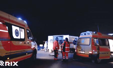 """Lidostā """"Rīga"""" mācībās simulē militārā gaisa kuģa avāriju (Video)"""