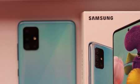 Samsung S21 bez austiņām un uzlādes