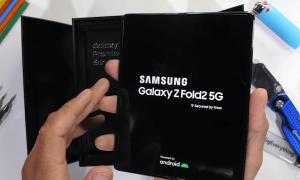 Samsung Galaxy Z Fold 2 izturības tests