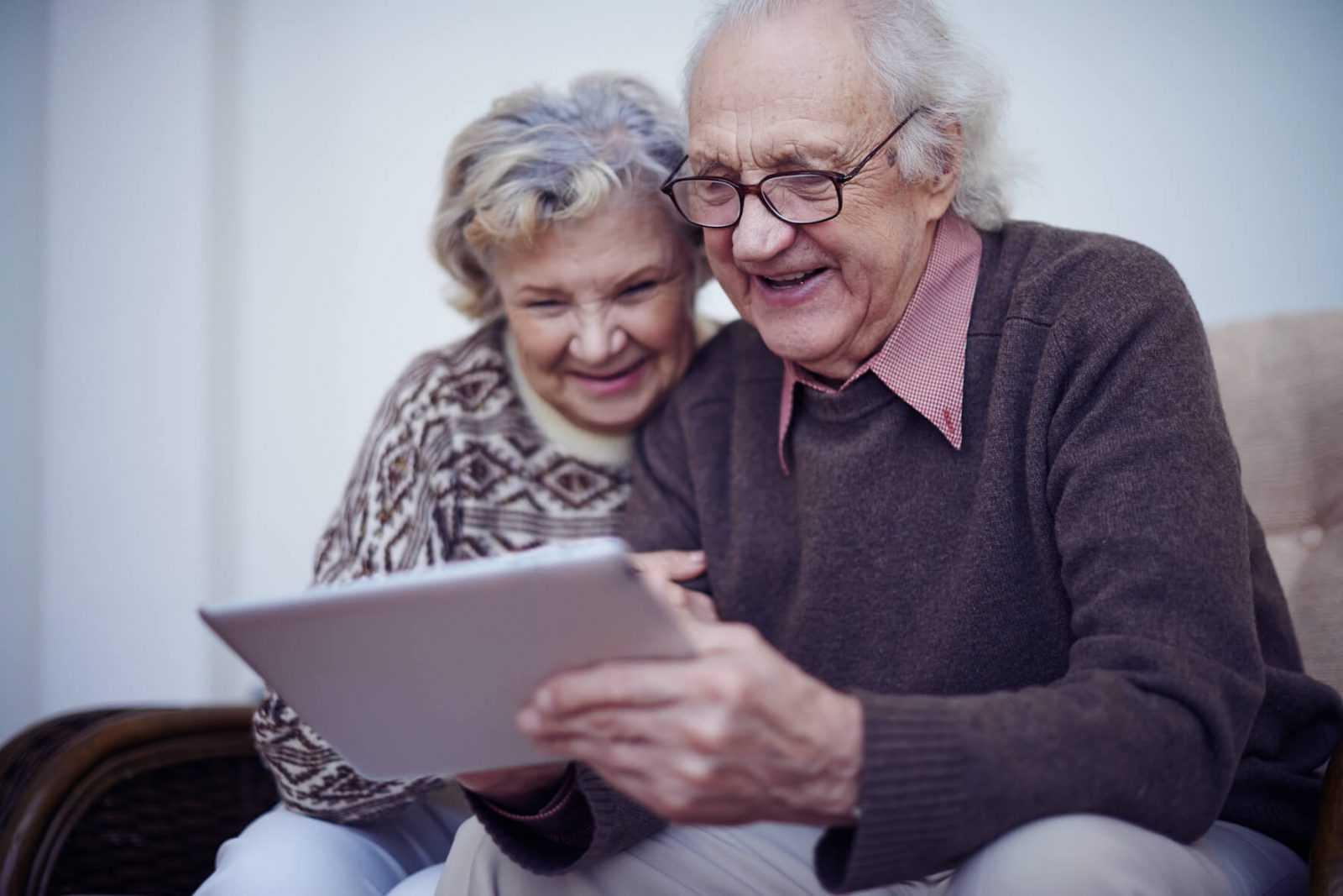 Seniori mūsdienās – kā tehnoloģijas pilnveido un papildina mūsu vecumdienas?