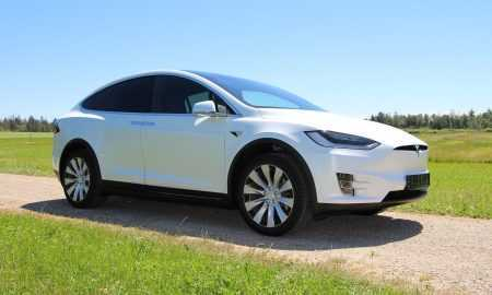 Teslas pārkings vieglāks