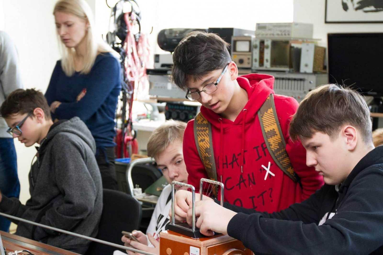 RTU starptautiskā projektā izglītos skolēnus – topošos jaunuzņēmējus