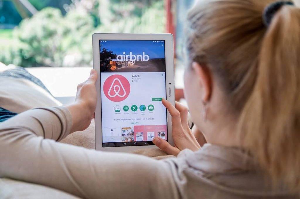 Airbnb un kriptovalūtu maksājumi