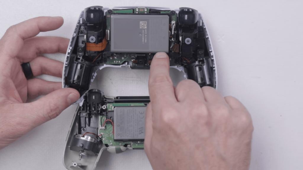 Sony Playstation 5 DualSense izjauksana