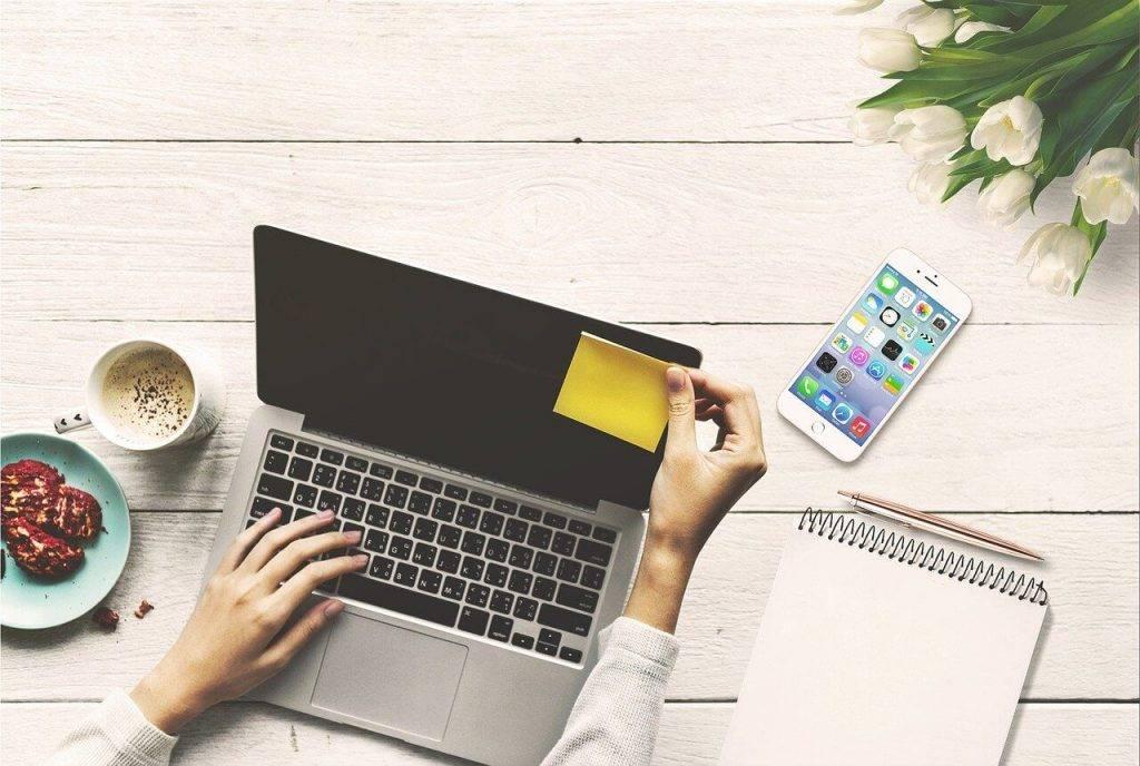 Pētījums: Covid-19 ietekmē par 20% palielinājies to uzņēmumu skaits, kas saviem darbiniekiem apmaksā mobilos sakarus