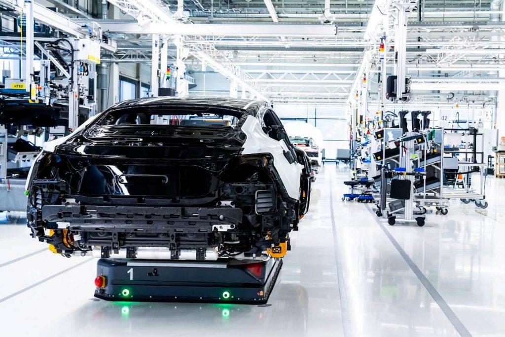 Audi uzsāk CO2 neitrālu e-tron GT sērijveida ražošanu