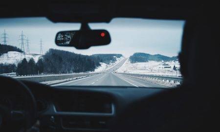 Tikai 30% autovadītāju ir pārliecināti par savu braukšanas prasmi ziemā