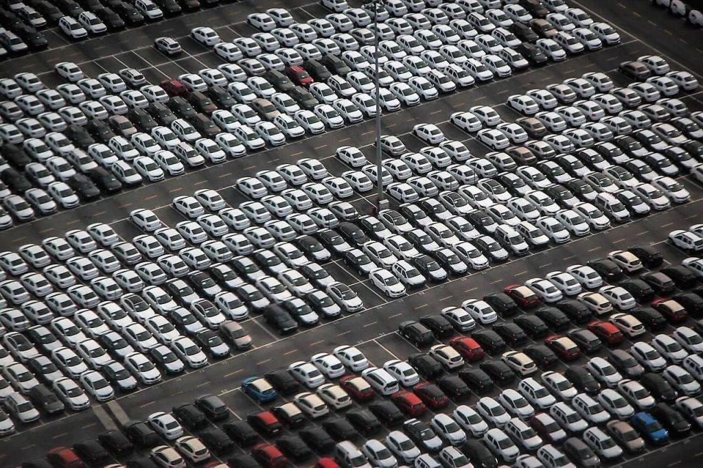 Kādas automašīnas iegādājas privātpersonas un kādās uzņēmumi?
