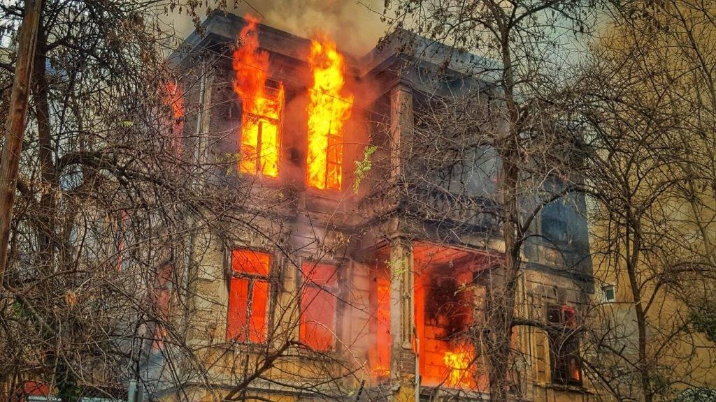 Strādājot attālināti, atceries par ugunsdrošību mājoklī!