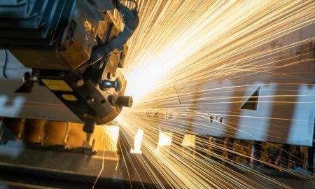 Huawei turpina darbu pie tīkla iekārtu rūpnīcas Francijā