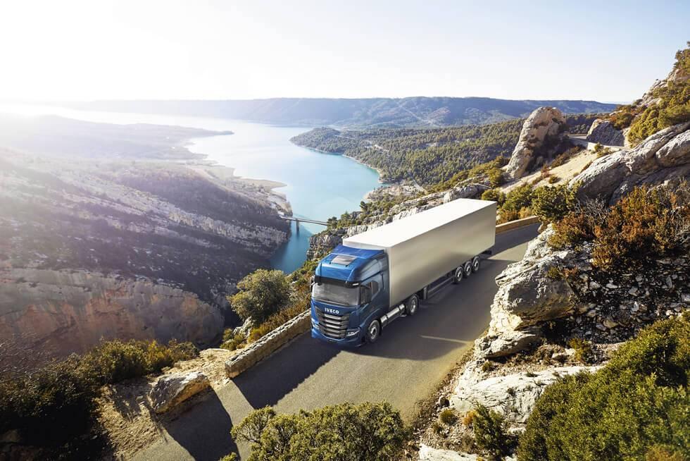 Iveco kravas automobilis saņem balvu Gada ilgtspējīgais kravas auto 2021
