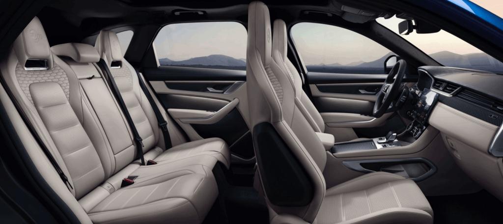 Jaguar F-Pace SVR_salons