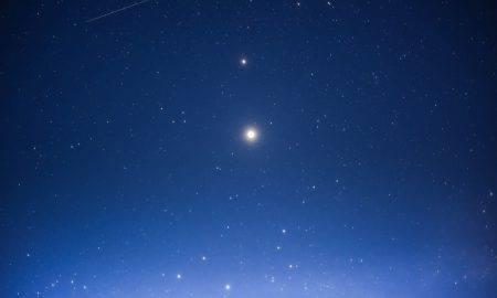 Jupiters pietuvināsies Saturnam
