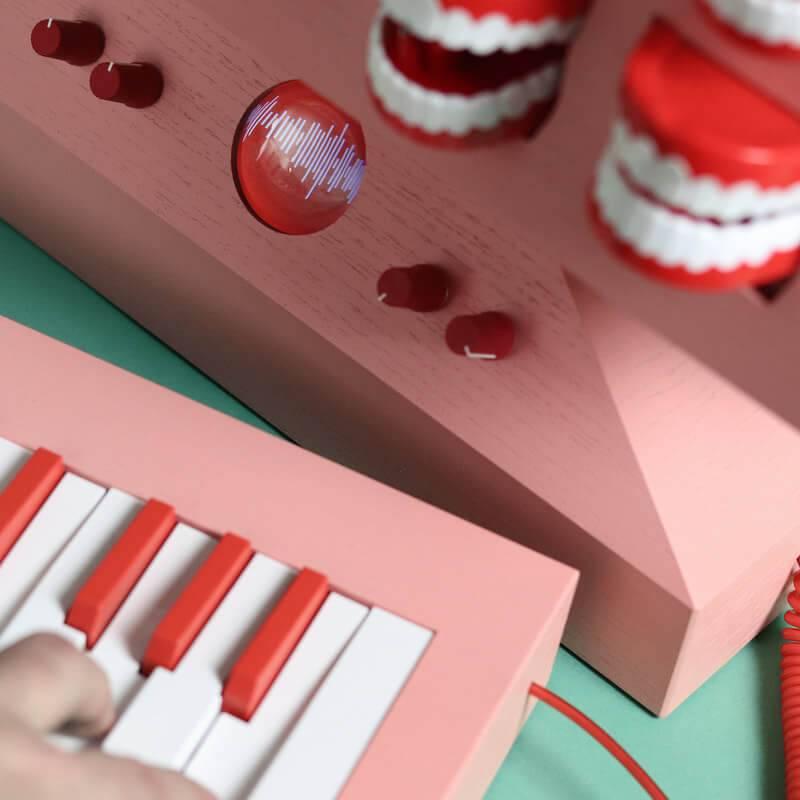 Lovehulten sintezators 3