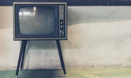 Policija aiztur nelegālās televīzijas izplatītājus