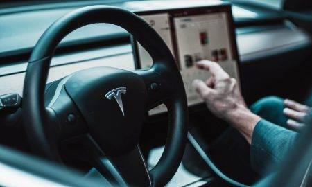 Tesla autopilota abonesana 2021. gadā