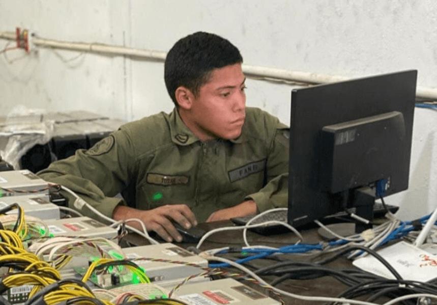 Venecuelas armija un kriptovalutu mainings